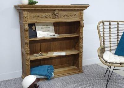 Transformation d'un haut de meuble Henri II en bibliothèque au sol