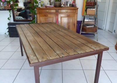 Table indus à partir d'une porte ancienne